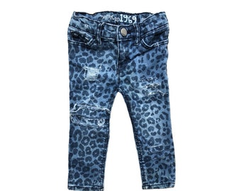 Toddler girl jeans leopard Skinny jeans Toddler skinny jeans Girls jeans. Distressed jeans Toddler girl clothes Cheetah blue jeans 18-24 mo