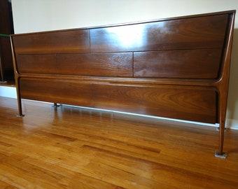 Mid Century John Cameron Distinctive Furniture Dresser / Credenza