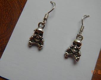 Sweet Silver-tone Skull/Crossbones Dangle Earrings