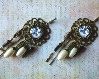 "Art Nouveau style earrings ""Majorelle"" glass cabochon illustrated, bronze metal, glass Pearl White"
