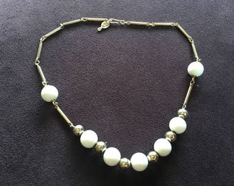 Sarah Coventry White and Gold Beaded Necklace 1402