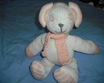 little bear made with needles with salmon and beige cotton