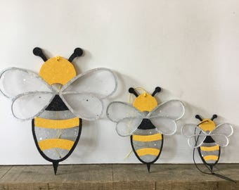 Bumble Bee Hangings - car hanging, wall decor, bumble bee gift, bumble bee, bee decor, bee decorations, car accessories, car mirror charm