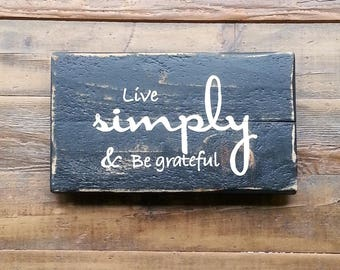 Live simply, fall decor, thankful, thanksgiving decor, thankful sign, handpainted sign, rustic sign, rustic decor, home decor reclaimed wood