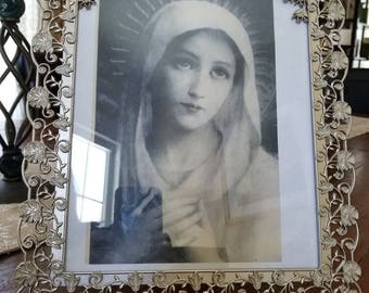 Stunning print of Blessed Mother....black and white....vintage silvertone frame...ivy and flowers