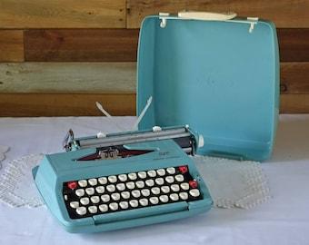Bleu typewriter - Vintage Smith Corona Corsair SCM typewriter - Retro  dactylo - with Case