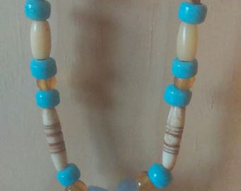 Native American necklace gemstone chalcedony, leather, glass beads and bone