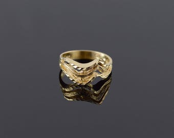 14k Tiered Textured Wavy Abstract Band Ring Gold