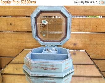O Canada Sale Shabby Chic Jewelry Box/ Gunther Mele Jewelry Box/ Stain Glass Jewelry Box/ Distressed Jewelry Box