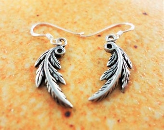 Handmade Thin leaf silver earring From Nonthaburi Thailand