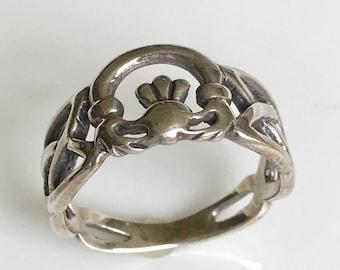 Sterling Silver Claddagh Ring,Vintage Claddagh Ring,Irish Claddagh Ring,Celtic Claddagh Ring,Infinity Claddagh Ring