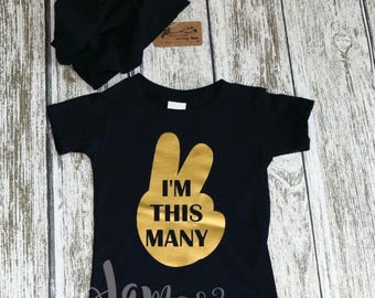 Second birthday outfit, Second Biryhday, 2cd Birthday, Boy, Birthday, I'm this Many, 2 year old, Birthday Gift, Gold  and Black, Slouchy Hat