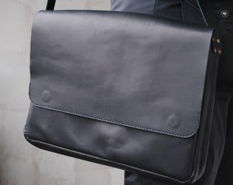 Leather Bag for Apple MacBook 13 Retina.