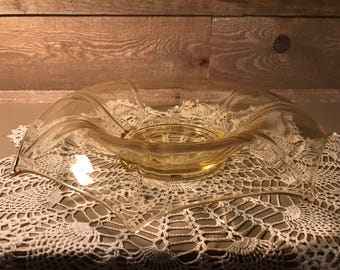 Vintage Unique Art Glass Fruit Bowl Yellow
