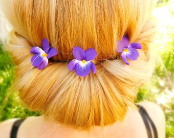 Flower accessories Bridal headpiece Purple Wedding hair pins Bridesmaid hair Bridal hair accessories Violet accessories Wedding flowers gift