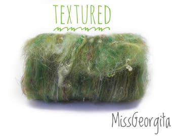 Spinning fiber - Carded batt - Mix of various fibers - 46 gr - Textured - Woods (green color)