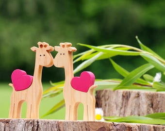 Wooden giraffe love heart, giraffe gifts, long distance friendship gift, kids best friends, safari zoo nursery decorations, wooden animals