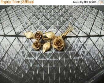 ON SALE Vintage 1950s Antiqued Gold Tone Surreal Roses Metal Pin 40117