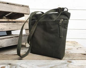 Forest green waxed canvas crossbody bag, Unisex vegan day bag, Olive Solid waxed canvas bag