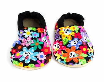 Skull Flower Baby Shoes, Flower booties, flower moccs, black moccasins, baby booties, crib shoes, baby girl, baby gift, baby shower gift