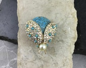 Vintage Marbled Blue Cabochon Bee Insect Brooch Pin Sparkling Crystal Rhinestone Turquoise Bead Wings Faux Pearl Head