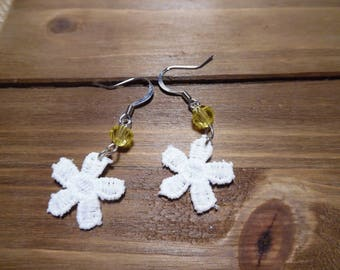 Dainty Daisy Lace Earrings (yellow crystal accent)