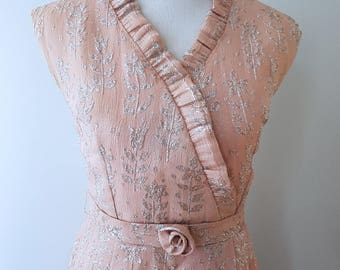 Original 1960s sheath dress in powder pink with silver flowers S