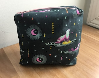 Travel / Accessory / Make-up Bag - Otter Space