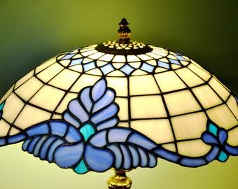 Tiffany lamp Baroque classic. Table lamp Tiffany style. Stained glass desk lamp.  Stained glass lamp shade. Stained glass art. Tiffany glass