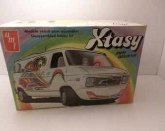 Vintage AMT Xtasy Chevy Custom Van Model T401 70's 80's