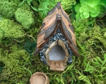 Miniature Shingletown Dog House and Food Bowl - 2 pc Set