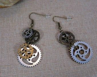 Steampunk jewelry, steampunk, gears and COGS, bronze and Silver earrings, women jewelry earrings