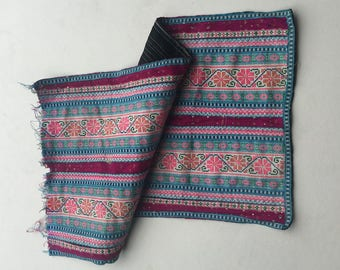 """BIG SALE!!! 24""""X13"""" Vintage Hmong fabric embroidery textile ,Hmong textile art,supplies, textile tribal,Vintage embroidery Tapestry"""