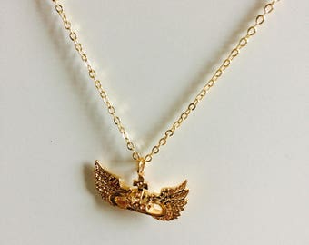 Necklace short Gotia. Gold plated and rock style