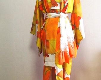 Vintage Japanese silk kimono robe / Orange kimono robe