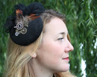 Fascinator steampunk black with lace, feathers, dragonfly and gears