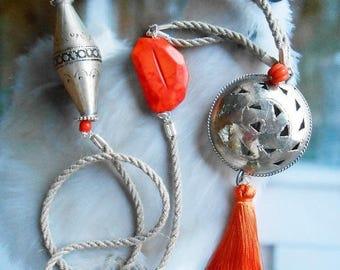 Collar étnico, collar de Bohemia, collar, collar de Marruecos, Howlita de perlas collar cordón, seda pompón, Metal plata