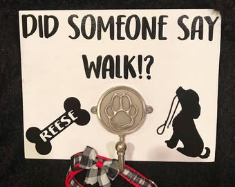 Leash holder / Entryway Key Hooks / Leash and Collar Holder / Entryway Sign / Pawprint / Dog / Wooden Gift / Personalized Dog Sign