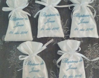 set of 5 bag has embroidered satin personalized dragees