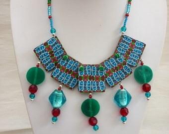 Bib statement necklace green Burgundy Red