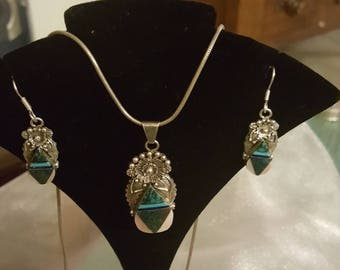 Vintage Native American Pendant and Earrings with Free Shipping.