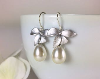 Silver Pearl Drop Earrings Pearl Dangle Silver Flower Earrings Wedding Earrings Bridal Jewelry Bridesmaid Earrings Silver Pearl Earring Gift