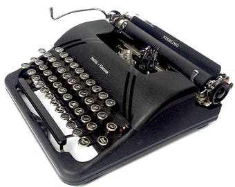 Smith Smith Corona Sterling Floating Shift Speedline Series Portable Manual Typewriter
