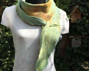 Very nice thin felted scarf in Merino Wool with silk dyed in green with Golden hues.