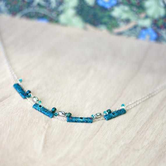 Sterling silver and celadon green necklace 'Dasya' with delicate sea urchins patterns