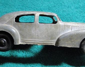 "Vintage Hubley Toy Car - Sedan - 2 1/2"" X 2 1/4"" X 7"" - Needs Restoration - Nice Old car"