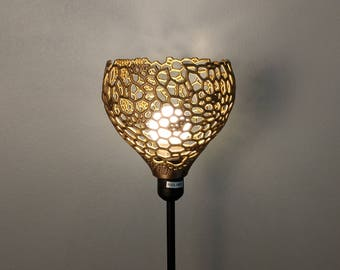 Shade / pendant in Voronoi pattern