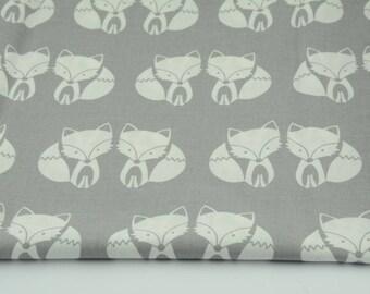 Tissu renards, 100% coton imprimé 50 x 160 cm, motif renards gris et blancs