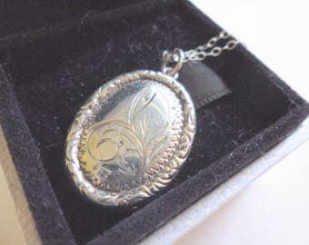 Vintage Art Deco Sterling Silver Oval Locket Necklace Hallmarked Letter Y 1973 | Locket On Chain