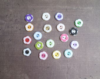 80 buttons mixed colors flowers 1.3 cm 2 holes